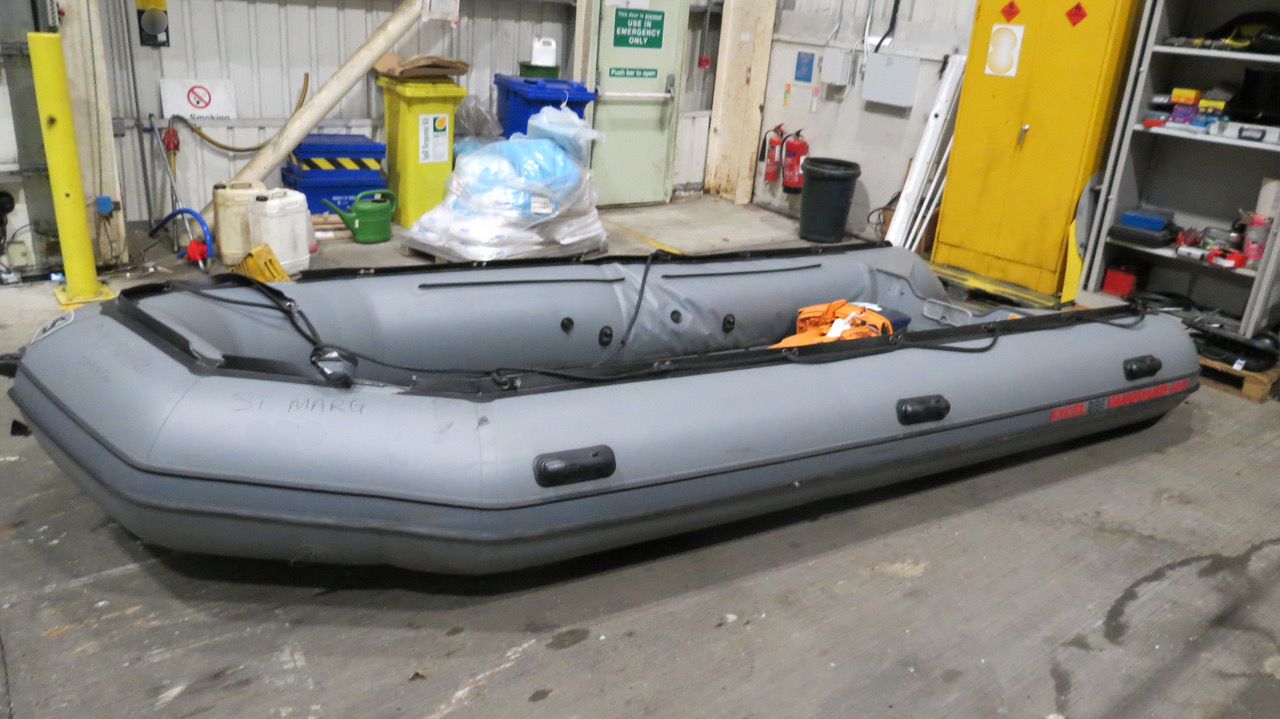 Seized boat
