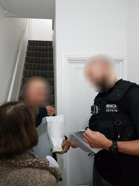 Arrest 2 man